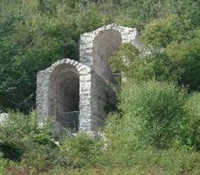 Avezzano - veduta esterna dei Cunicoli di Claudio